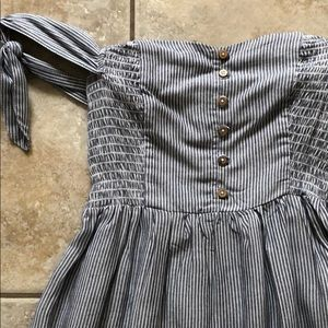AMERICAN EAGLE STRIPED OFF SHOULDER SMOCK DRESS XS